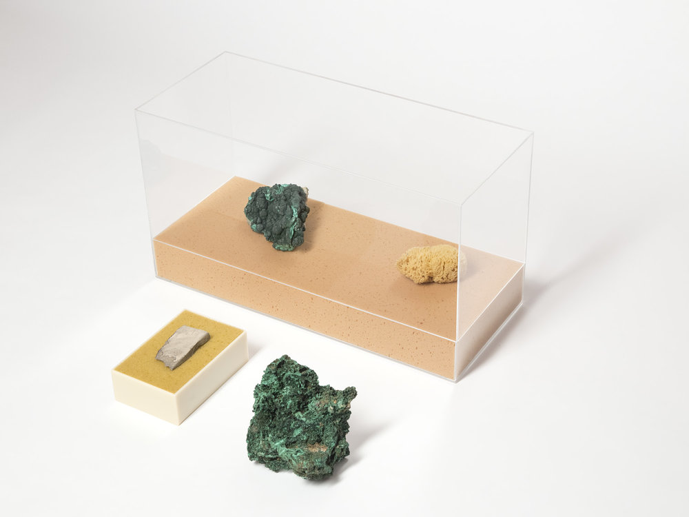 Innen und Außen, unbekannt , 2013, 3 part work  Stones, ceramic, sponges, acrylic glass  Dimensions variable