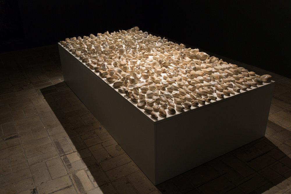 Tageswerk , 2015  ceramic  56 × 240 × 120 cm