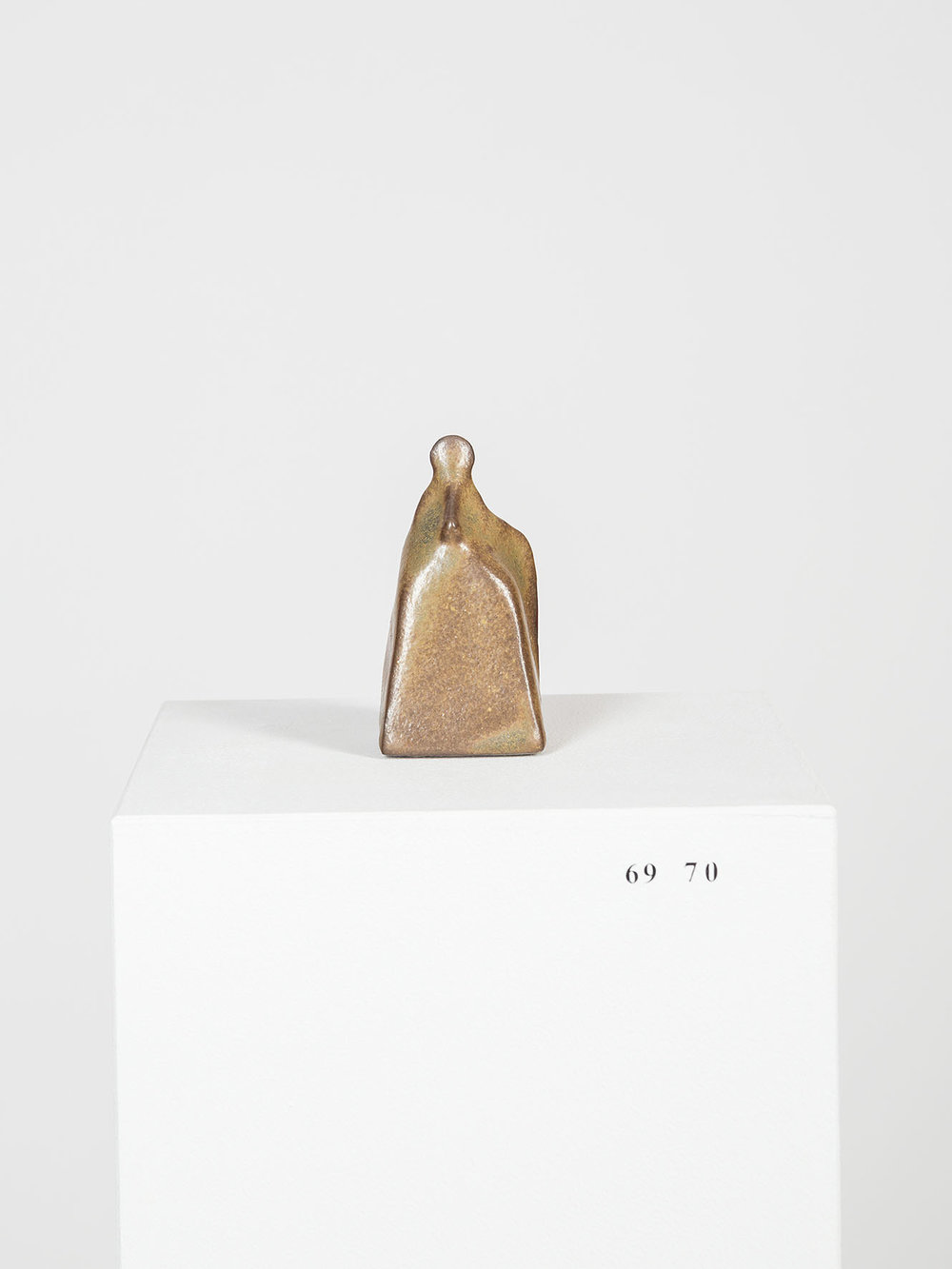 Sanupäerkopf , ca. 1070 v. Chr (frühe Arca Periode)  glazed ceramic  9 × 4 × 5 cm