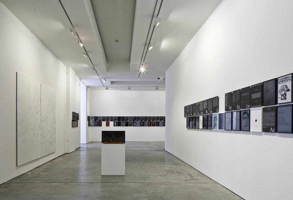 MM_Das Scheitern der Oberflaeche_Galerie Thomas Schulte, 2011_Installation View_5_Sergio Belincho.jpg