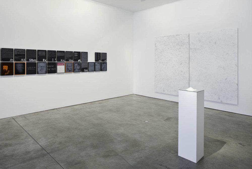MM_Das Scheitern der Oberflaeche_Galerie Thomas Schulte, 2011_Installation View_9_Sergio Belincho.jpg