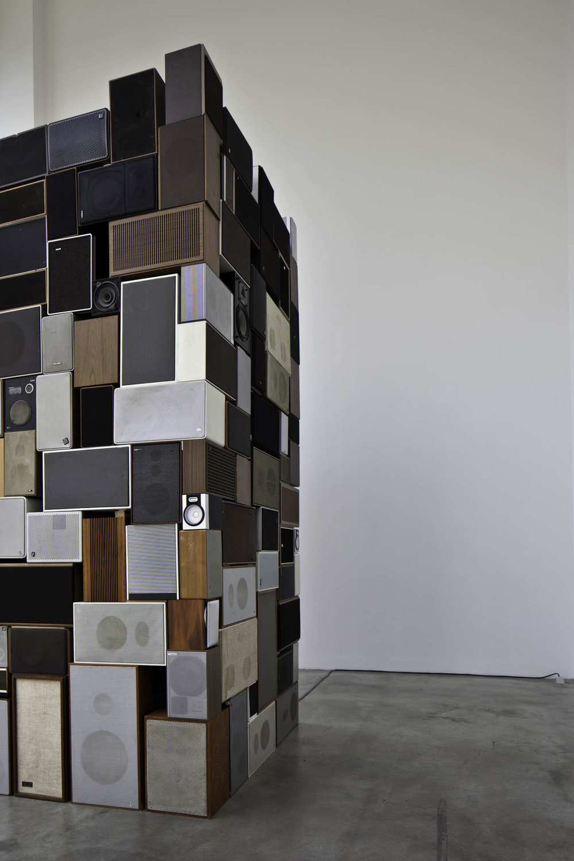 MM_Das Scheitern der Oberflaeche_Galerie Thomas Schulte, 2011_Installation View_16_Sergio Belinch.jpg