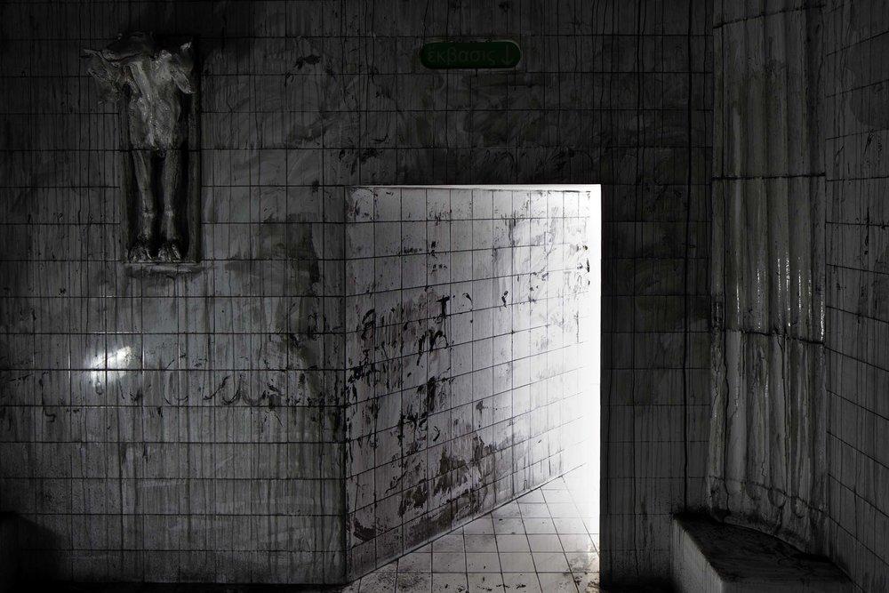 MM_Das Scheitern der Oberflaeche_Galerie Thomas Schulte, 2011_Installation View_21_Sergio Belinch.jpg