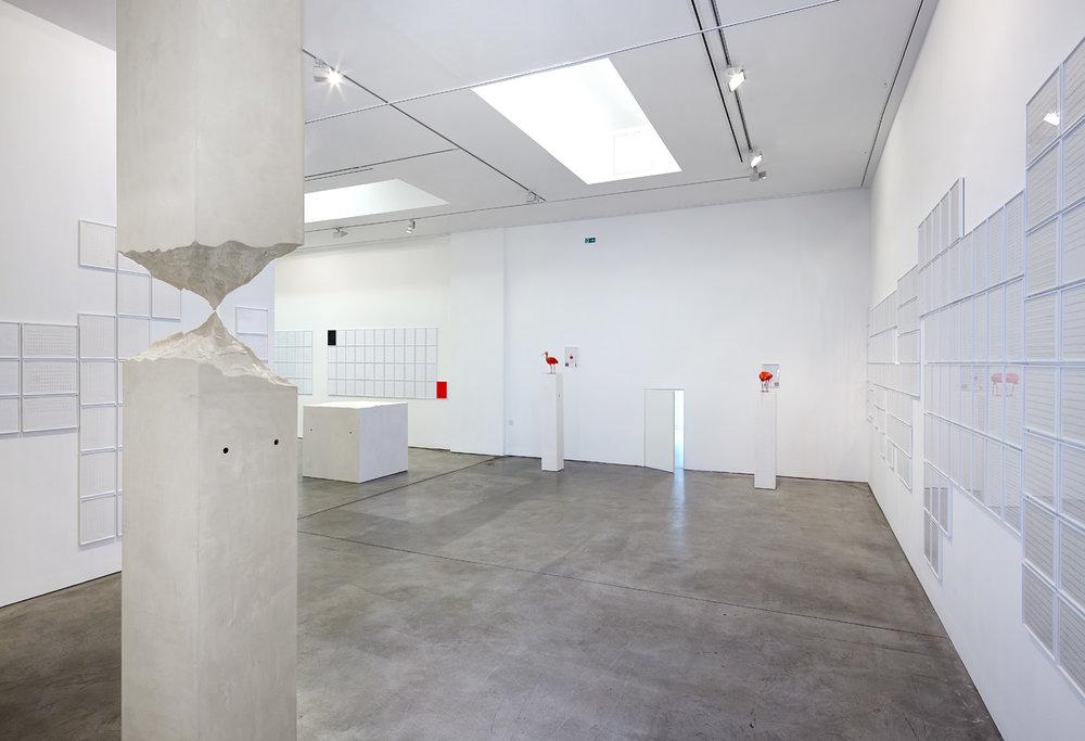 Der Mont Blanc ist höher als der Mount Everest   Installation View  Galerie Thomas Schulte, Berlin, 2013