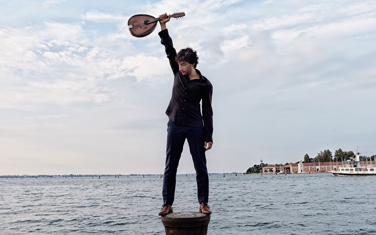 Avi Avital (Mandolin)