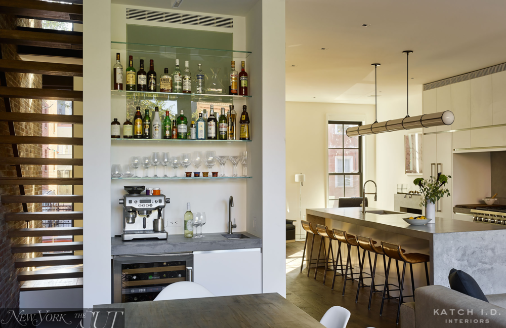 KATCHID_WILLIAMSBURGTOWNHOUSE_DININGBAR.png