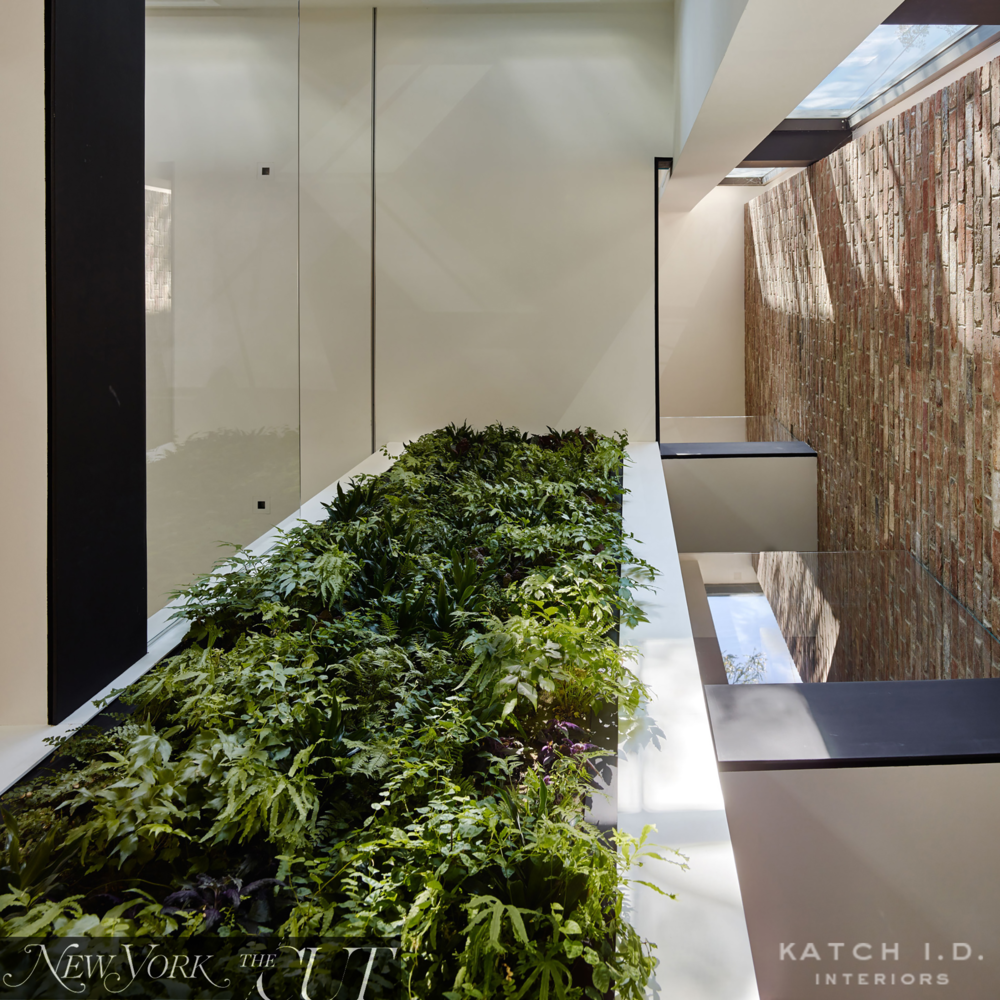 KATCHID_WILLIAMSBURGTOWNHOUSE_VERTICALGARDEN.png