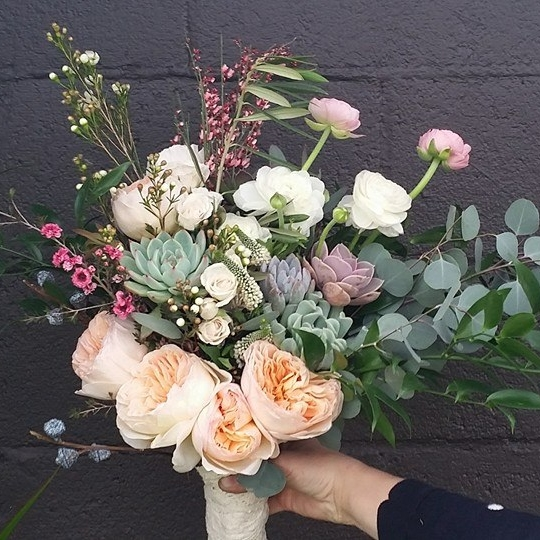 porch-therapy-wedding-bouquet.jpg