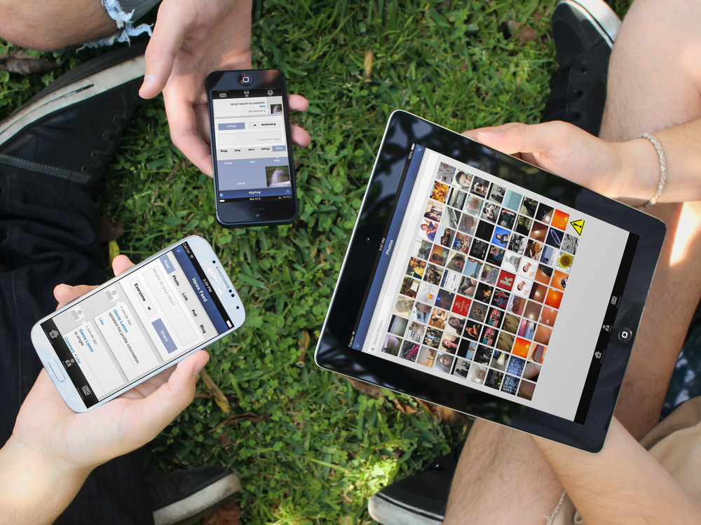 phpfox-mobile-apps.jpg