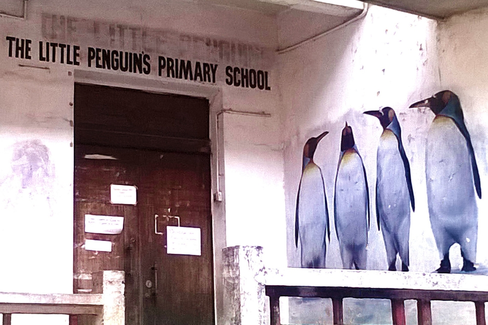 Pinguins are the very, very last thing I expected to see in India. Real or not...