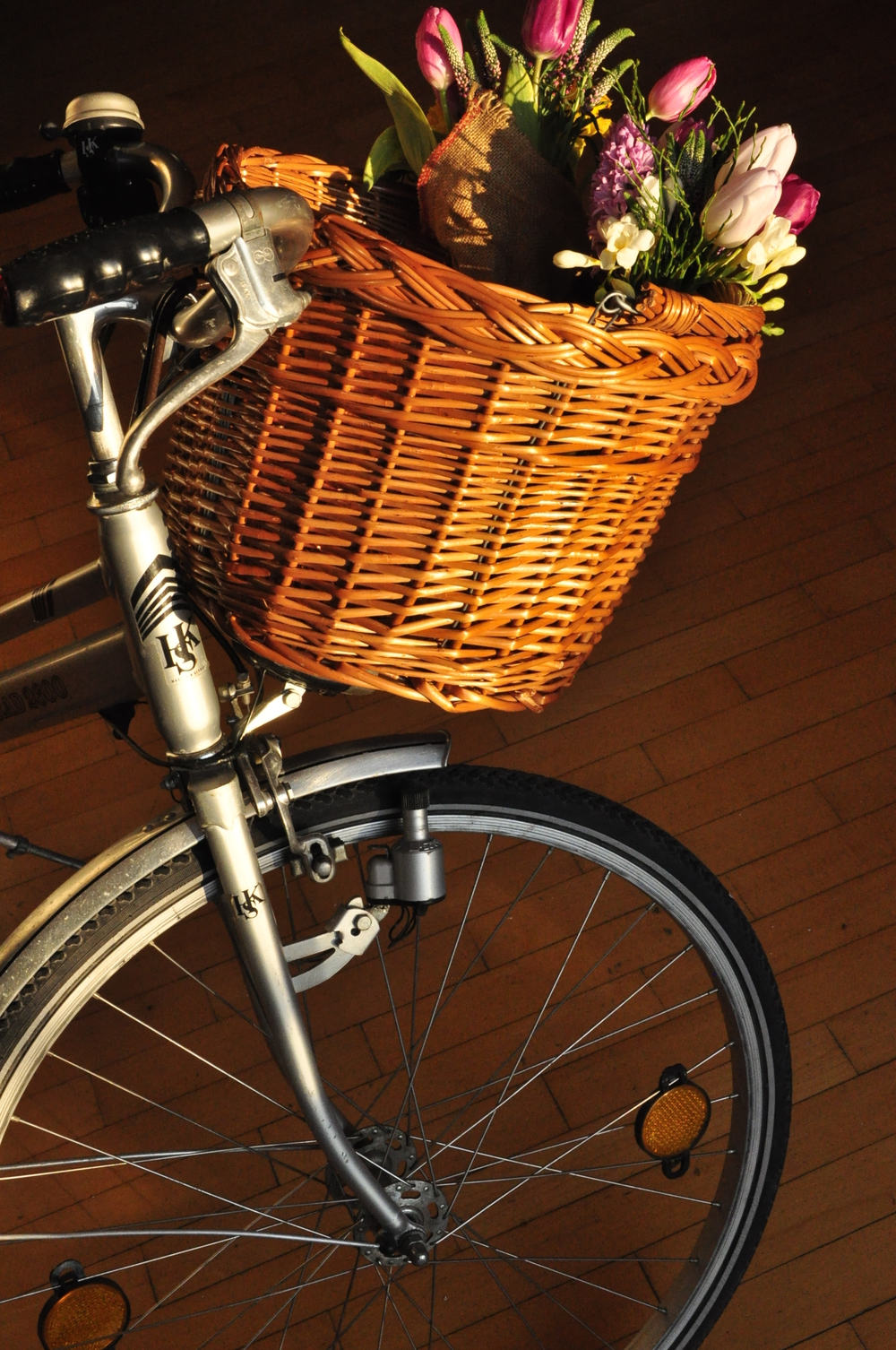 4. DELIVERY We always deliver the flowers ourselves and mostly by bike.