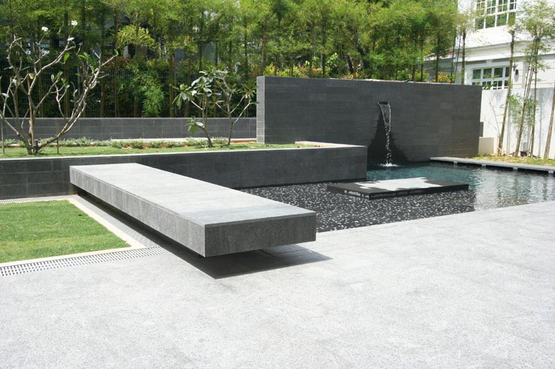 pool fountain-DEC2009.jpg