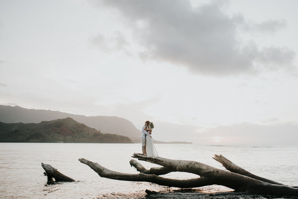 Kauai Hawaii Elopement Photographer Princeville Kauai56.JPG