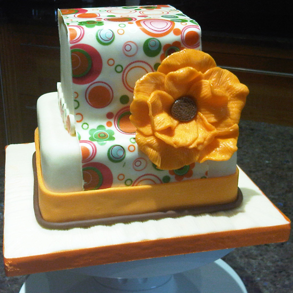 Big Yellow Flower Cake.png