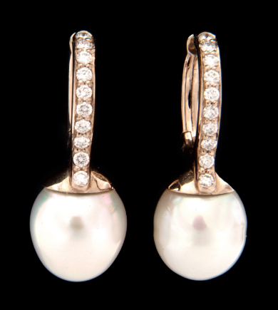 Diamonds and white baroque pearl earrings