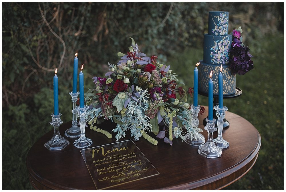 navy-and-gold-wedding-inspiration