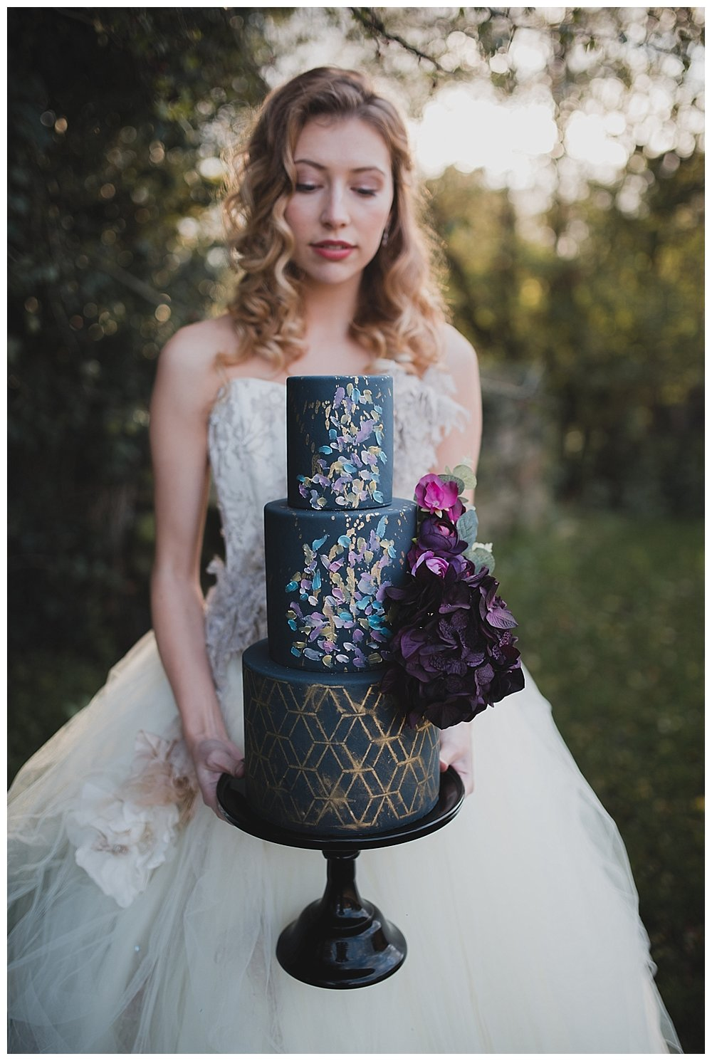 navy-and-gold-wedding