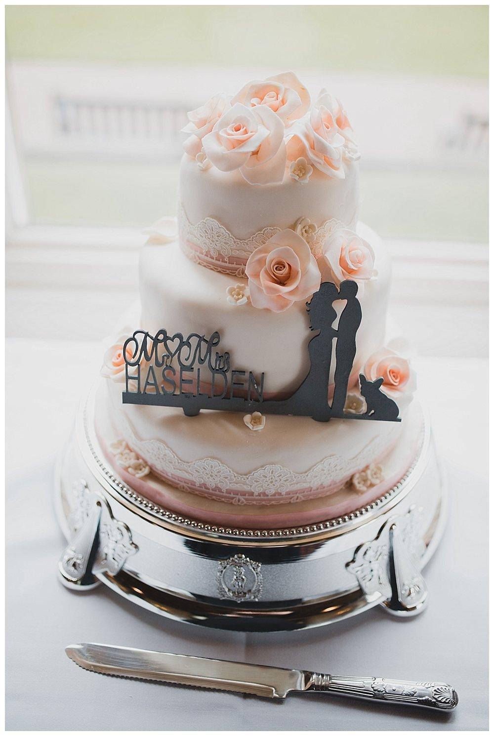 Pastel cake for a Keele Hall wedding.