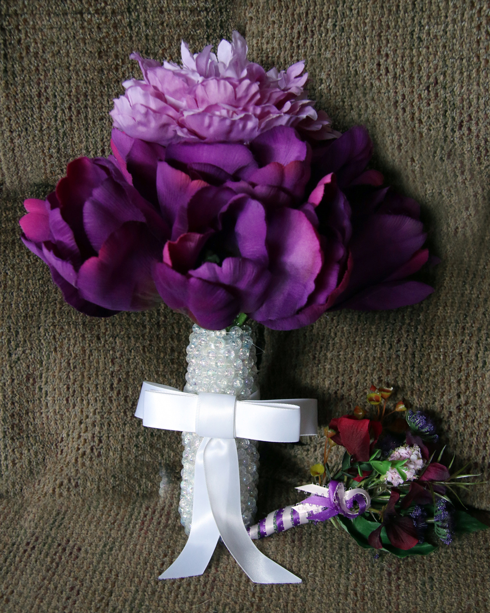 purple.carnations.bouquet
