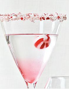 Something else for me to drink this holiday season! http://www.myrecipes.com/recipe/candy-cane-martini-50400000108884/