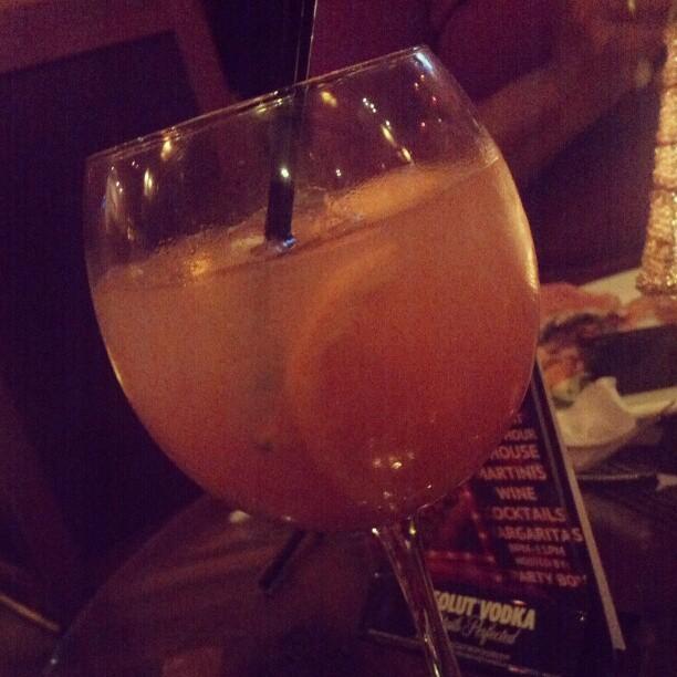 Mediterranean Sangria - @figenzavodka, cran juice, pineapple juice & bubbly #gmg
