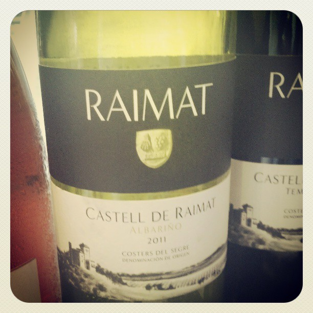 1st Albarino grown outside of Rias Baixas. Crisp citrus and peachy flavors. Castell de Raimat #winetasting