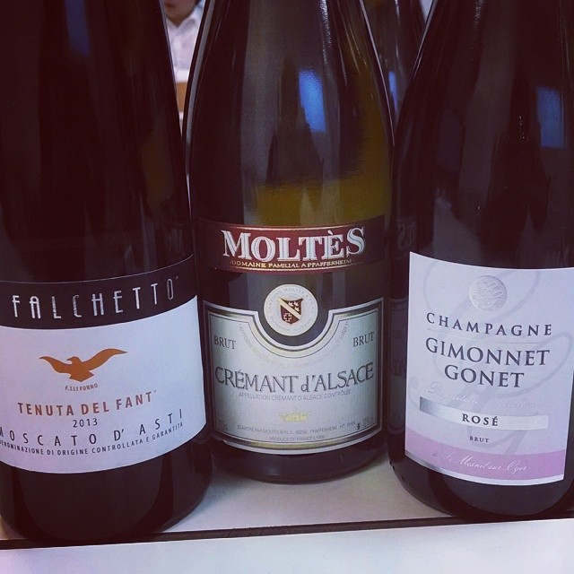 A tasting of Sparkling Wines for the school this evening. Champagne, Cremant d'Alsace, and Moscato d'Asti. Should be a fun time!! #ProfessorGMG #sparklingwine #winetasting #winesofinstagram #GMGinParis  (at CMH Academy)