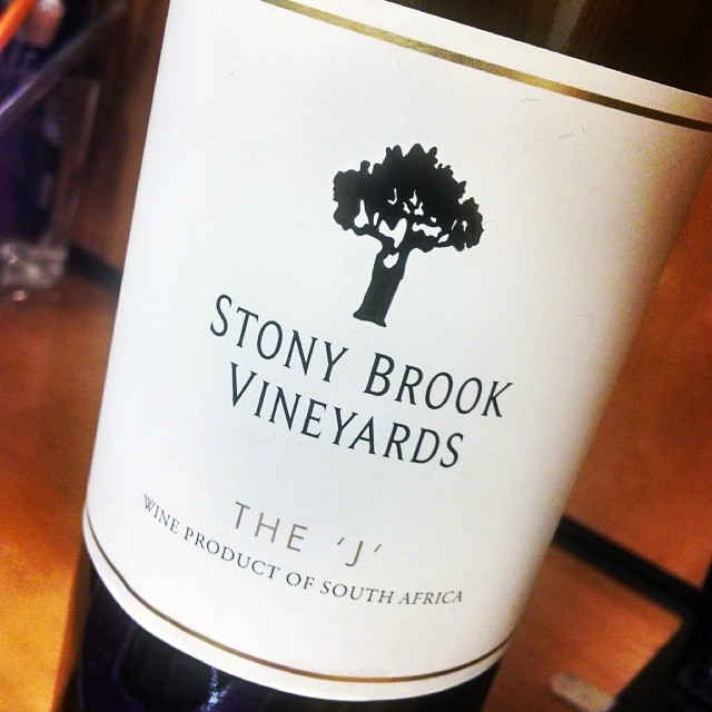 It's #wine time!!! This one hails from Stony Brook Vineyards in South Africa. A white blend of Semillon, Viognier & Sauv Blanc. Crisp and refreshing, yet a little creaminess on the palate with beautiful floral and citrus notes. Perfect for a hot summer day and some MD crabs!! #winetasting #winelover #wineanddine #jaifaimjaisoif #GMG