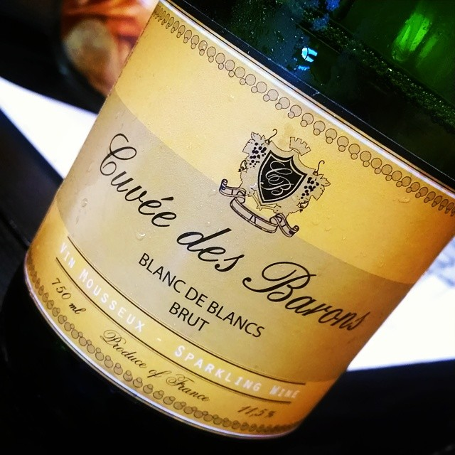 Biz mtg, with bubbles!! Floral & fruity. Perfect for drinking when thirsty 😉 #bottlepoppin #blancdeblancs #chardonnay #champers