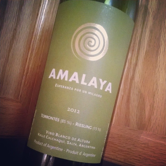 Wine Down Friday - Amalaya from Argentina. Blend of Torrontés and a hint of Riesling for aromatics and acidity. This was one of the wines featured in 'Move over Moscato' and they loved it!! #wine #wineanddine #winestagram #GMGapproved