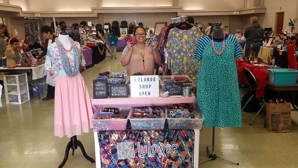 Leslie at her LuLaRoe booth at Saint Irenaeus.