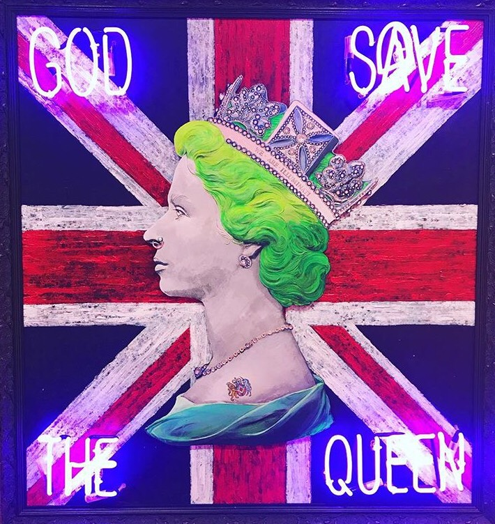 Illuminati Neon - God save the Queen neon (green hair).JPG