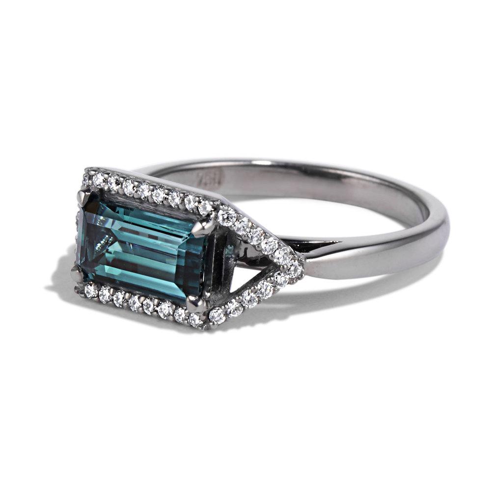 emerald diamond platinum ring product image 2 .jpg