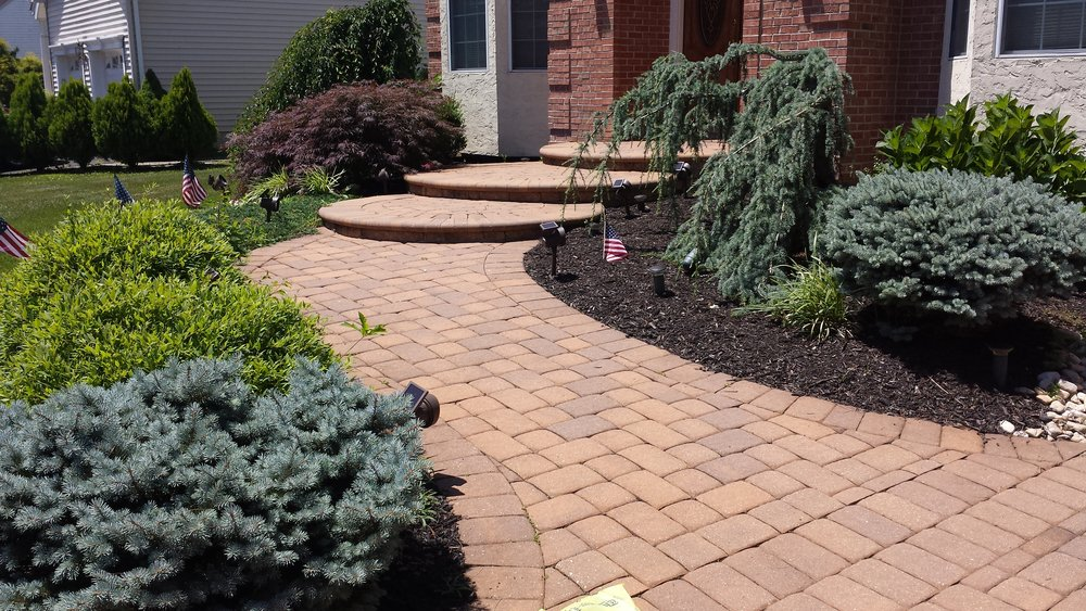 At Windsor Elite Landscaping we believe in building things right the first  time and understand that there are no shortcuts, period. - Windsor Elite Landscaping-PatiosWalkwaysOutdoor Kitchens