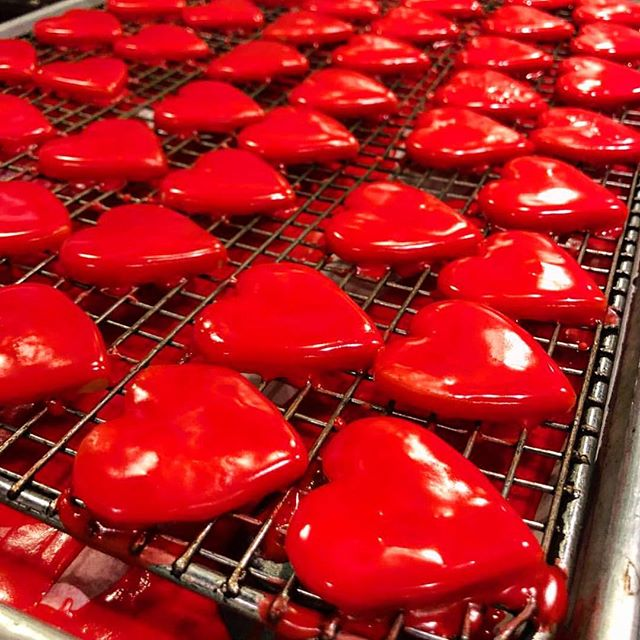 Happy Valentine's Day to all of you out there ❤️ We wish you a sweet and lovely night with your loved ones #valentinesday #aldea #nycrestaurant #nycdining #love