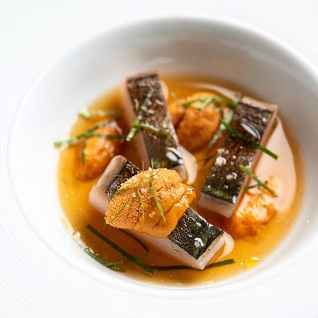 Mackerel, Uni and Kombu Broth / 📷: @evansungnyc #finedining #uni #michelinstar #michelinguide #newyork #dinner #tastingmenu