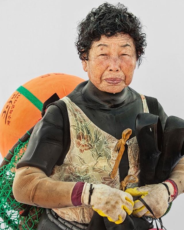 Please join us tomorrow April 19, 2019 7-9pm at 777 s Alameda st  GERARD BURKHART AND HYUNG S. KIM - AN OFFICIAL MOPLA EXHIBITION  Hyung S. Kim's compelling and honest portraits showcase female divers in southern Korea who harvest seafood from the ocean. Haenyeo are female divers who harvest seafood from the ocean without any diving apparatus but dive for up to 7 hours a day.  Shimming Sky is a body off work by 2018 Mojave National Preserve Artist-In-Residence Gerard Burkhart who photographed the super moon to the super moon eclipse in January of 2018.  Exhibition on view through April 30, 2019  Image © Hyung S. Kim