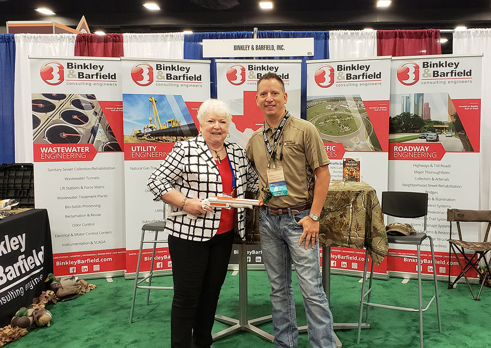 City of Livingston Mayor Judy Cochran and BBI's Richard Arvizu, PE, CFM.