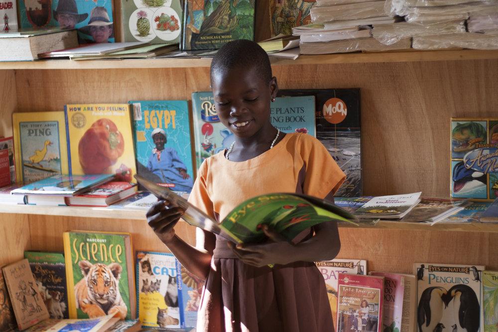 Bahankra Library girl 26.jpg