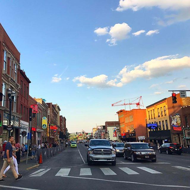 JoyRyde takes Broadway St. #safetyiscool #honkytonkcentral #joyryde