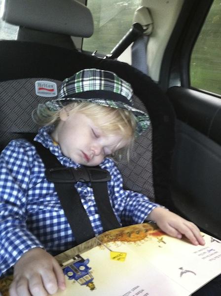 Ryby sleep reading.jpg