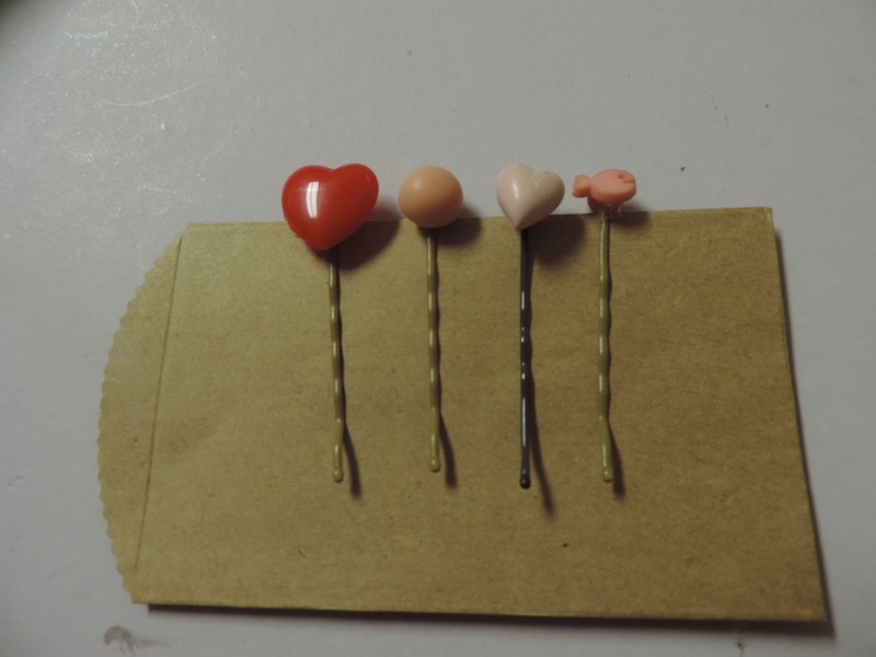 Vintage Button Hair Pins 1.JPG