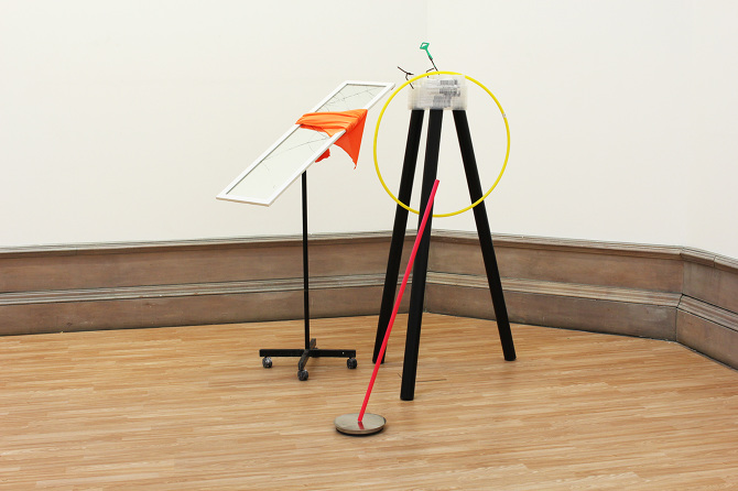 Untitled,  a broken mirror, plastic pipes, iron pipes, a fabric, a hula hoop,a wire, a iron cap, 2015 @DongKwang Jo