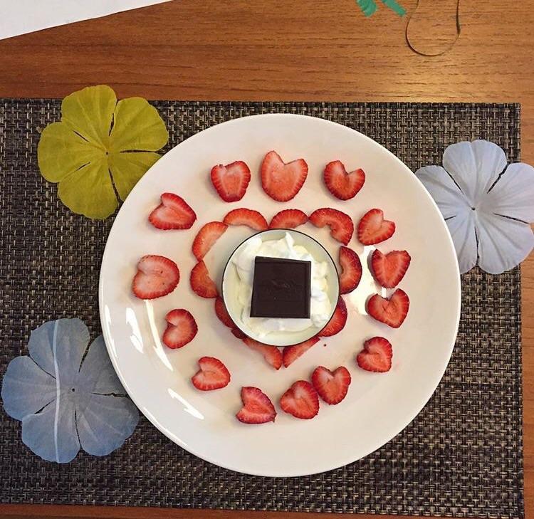 Strawberries, Greek yogurt, dark chocolate