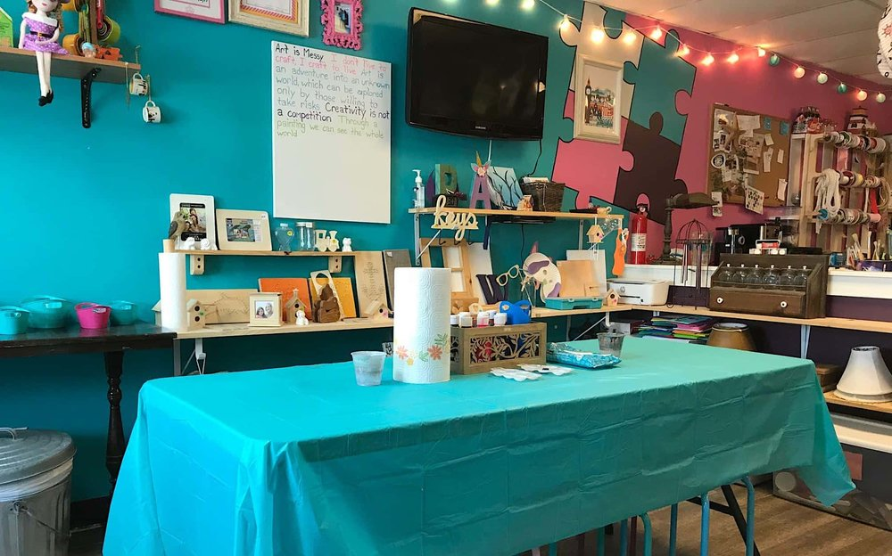 The Crafty Corner, designed especially for kids, at Classy Hipsy (Photo by America Wallace)
