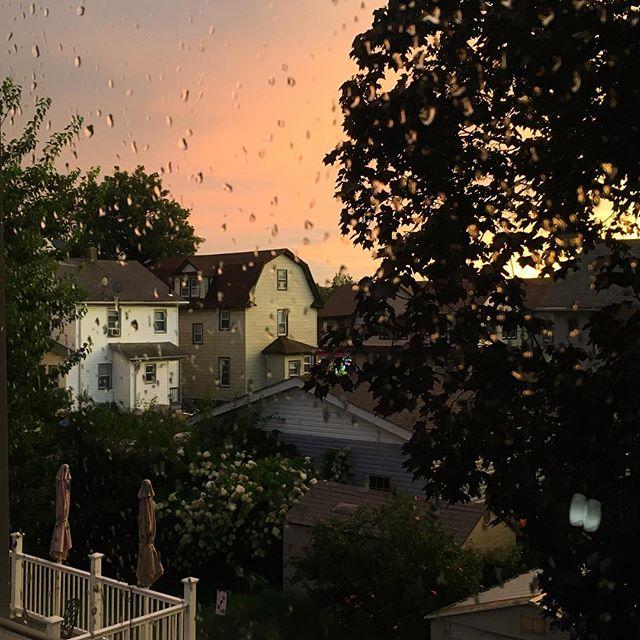 After the rain. #sunset #urbanlandscape #rosellepark #backyard #windowview #smalltown