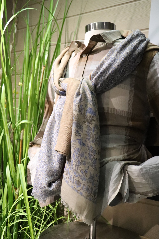 spring-mens-scarf.JPG