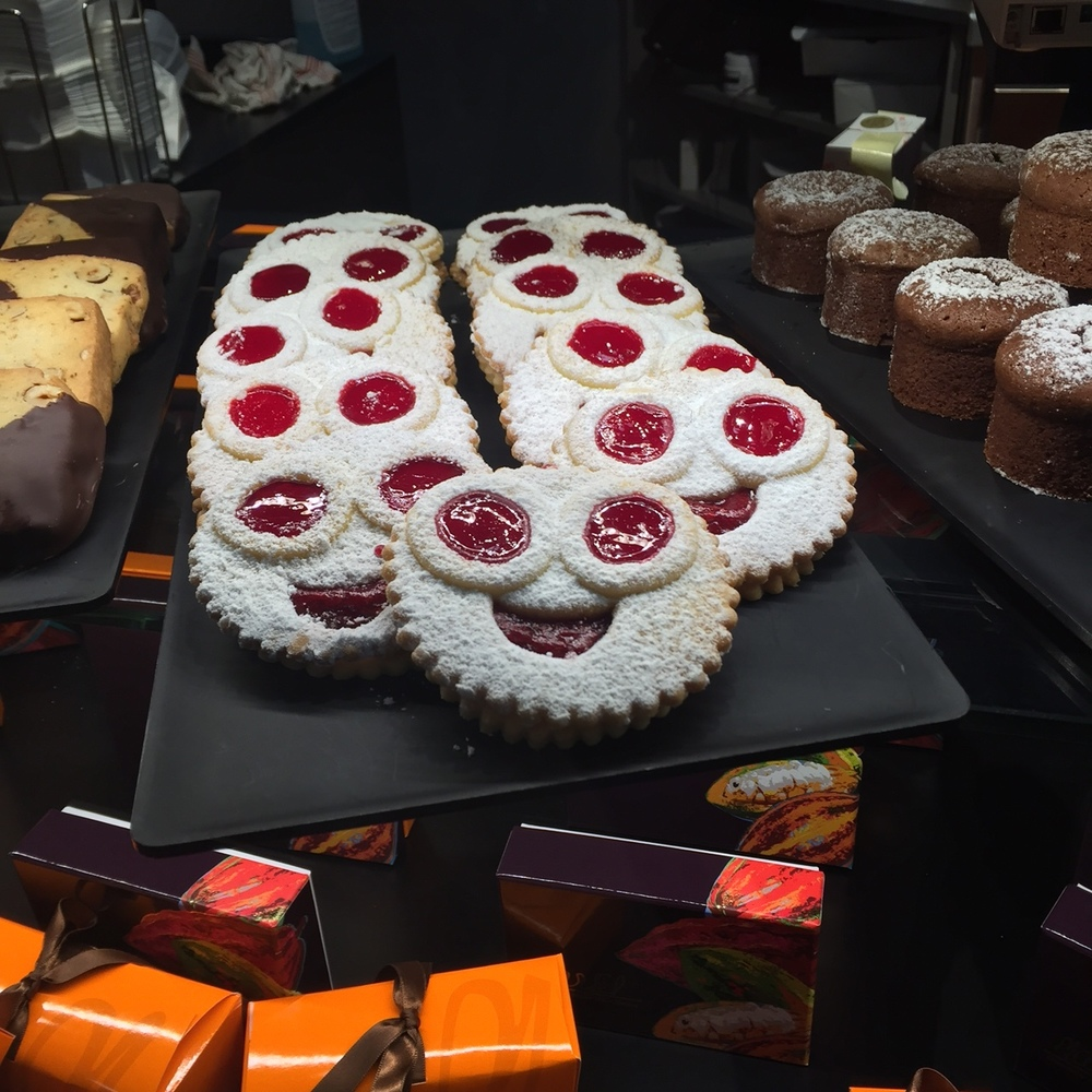 Happy Treats at the Geneva Airport - Switzerland - www.stampedwithaloha.com