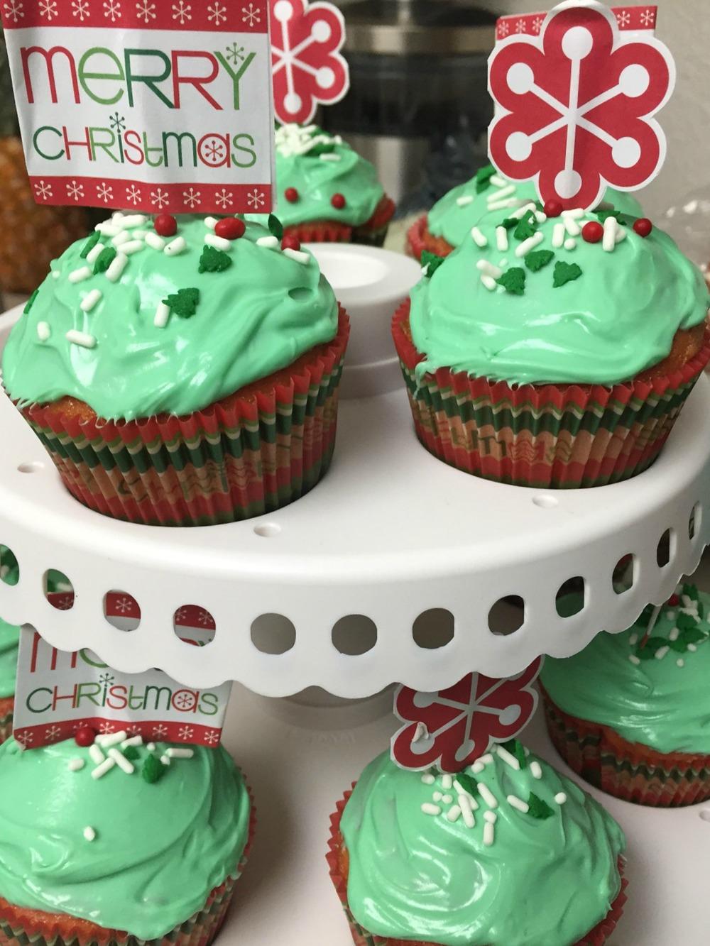 Christmas Cupcakes - www.stampedwithaloha.com