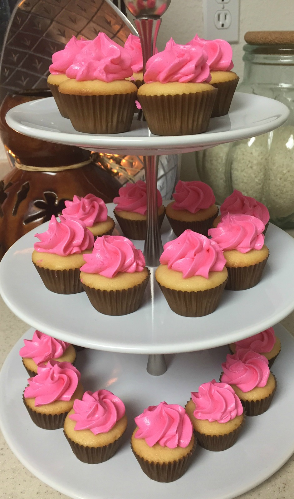 Mini Cupcakes by Charney's Cupcakes and Treats - www.stampedwithaloha.com